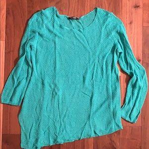 NIC+ ZOE Asymmetrical Lightweight Sweater